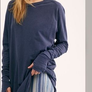 NWOT free people Navy Arden Thumbholes Tee